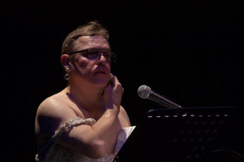 Raoul Fernandez dans Ese Hombre. Photographie: Javi Jimenez